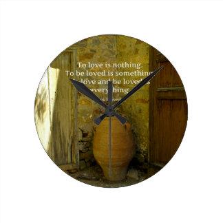 Proverbio griego sobre amor reloj redondo mediano