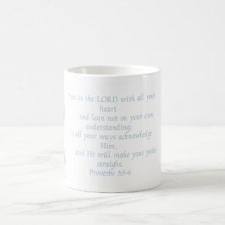 Proverbios - taza Negro-Observada de Susans