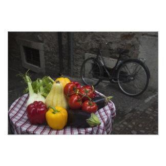 Provincia de Italia, Brescia, Gargnano. Tabla con Cojinete