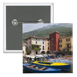 Provincia de Italia, Verona, Malcesine. Cassone 2  Pin Cuadrada 5 Cm
