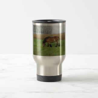 Proyecto belga Caballo-marrón con la melena negra Tazas