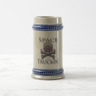 Prpl de Truckin del espacio Jarra De Cerveza