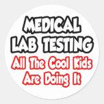 Prueba de laboratorio médico… todos los niños pegatinas redondas