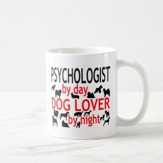 Psicólogo del amante del perro del día por noche taza de café