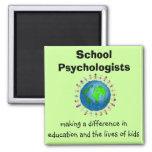 Psicólogos de la escuela que hacen los imanes de u