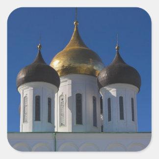 Pskov el Kremlin y catedral 2 de la trinidad Pegatina Cuadrada