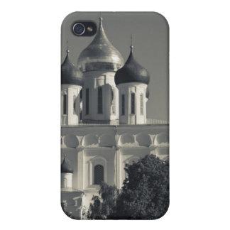 Pskov el Kremlin y catedral de la trinidad iPhone 4 Carcasa