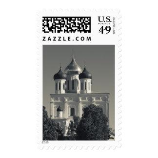 Pskov el Kremlin y catedral de la trinidad Sello