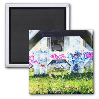 psychedelic graffitis on bridge fridge magnets