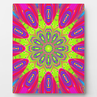 Psychedelic Radial Pattern: Plaque