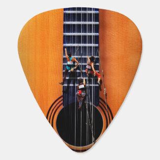 Púa de guitarra de los escaladores de la guitarra