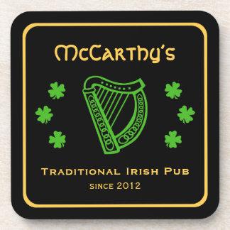 Pub de encargo del irlandés del apellido de la arp posavasos de bebidas
