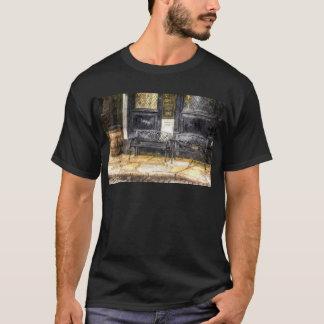 Pub Resting Place Art T-Shirt