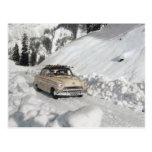 Publicidad del coche del vintage, escena del invie tarjeta postal