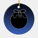 Pudín blanco y negro del navidad. En azul Ornamento Para Reyes Magos