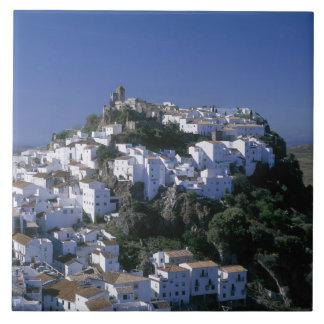 Pueblo blanco de Casares, Andalucía, España Azulejo Cuadrado Grande
