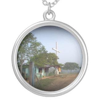 Pueblo de Borucan con la cruz Joyería