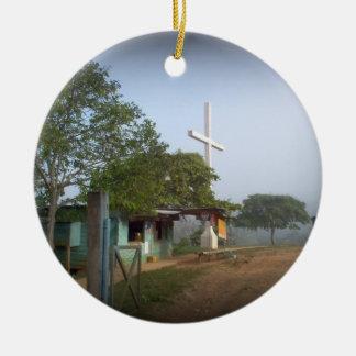 Pueblo de Borucan con la cruz Ornamente De Reyes