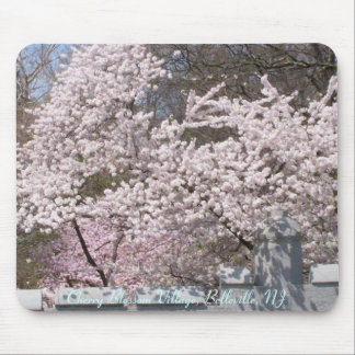 Pueblo de la flor de cerezo, Belleville, NJ Alfombrillas De Ratones