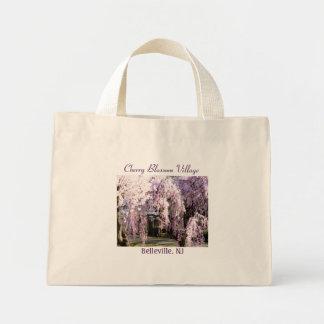 Pueblo de la flor de cerezo bolsa tela pequeña