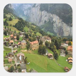 Pueblo de montaña, región de Jungfrau Pegatina Cuadrada