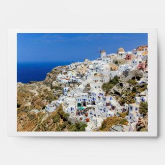 Pueblo de Oia en la isla de Santorini, del norte, Sobre