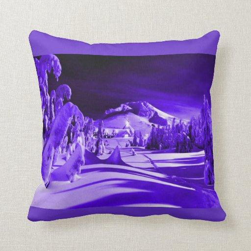 Pueblo iluminado por la luna del vintage almohadas