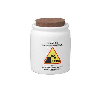 Puede ser mirada antiintuitiva abajo invierte siem jarra para caramelo