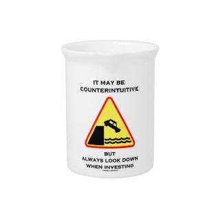 Puede ser mirada antiintuitiva abajo invierte siem jarras de beber