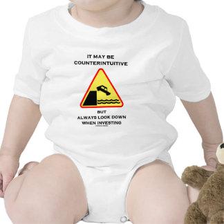 Puede ser mirada antiintuitiva abajo invierte siem traje de bebé