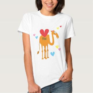 Puede usted decir te amo el camello y la camiseta camisas