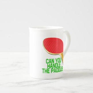 Puede usted manejar la paleta taza de porcelana