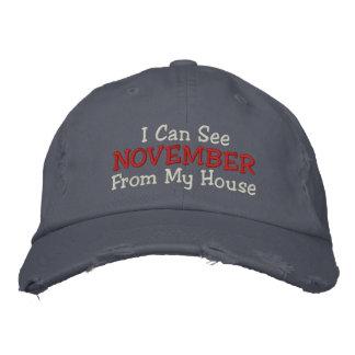 Puedo ver NOVIEMBRE de mi casa Gorras Bordadas