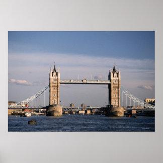 Puente 3 de la torre póster