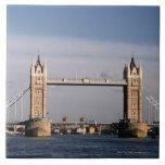 Puente 6 de la torre azulejo cuadrado grande
