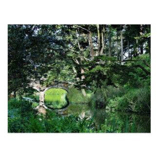 Puente a la colina de la fresa en el lago stow en  postal