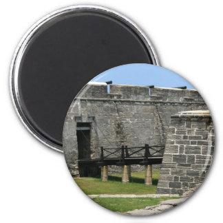 Puente al fuerte de St Augustine a través de la fo Imán De Nevera