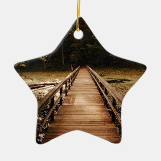 Puente al ornamento de la belleza adorno navideño de cerámica en forma de estrella