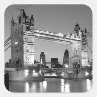 Puente blanco negro de la torre de Londres Pegatina Cuadrada