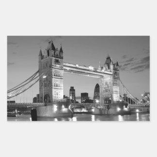 Puente blanco negro de la torre de Londres Pegatina Rectangular