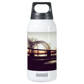puente botella isotérmica de agua