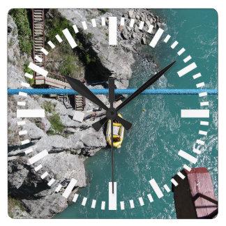Puente Bungy POV, Queenstown, Nueva Zelanda de Reloj Cuadrado