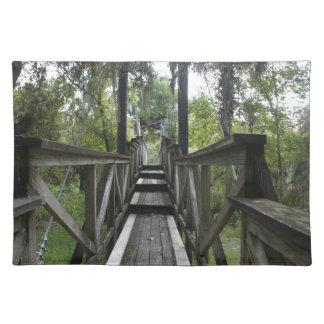 Puente colgante de la cala de Paynes Manteles