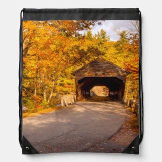 Puente cubierto de Albany cerca de Conway Mochila
