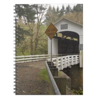 Puente cubierto del gato salvaje, el condado de La Libretas Espirales