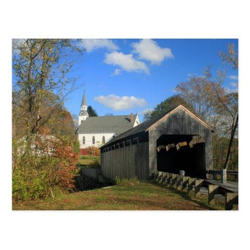 Puente cubierto e iglesia históricos de Conway mA Tarjetas Postales