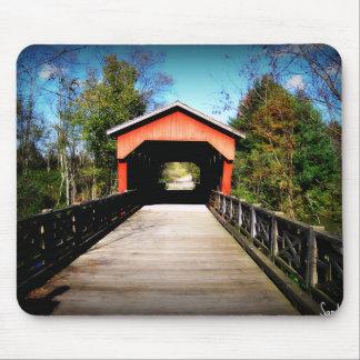 Puente cubierto el condado de Belmont, Ohio Mouse Pads