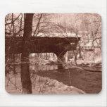 Puente cubierto (sepia) tapete de ratón
