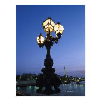 Puente de Alejandro III en París Postal