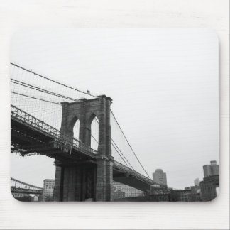 Puente de B&W Brooklyn Alfombrillas De Ratones